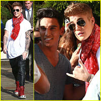 Justin Bieber Makes Time to Show His Gratitude To Fans in Beverly Hills!